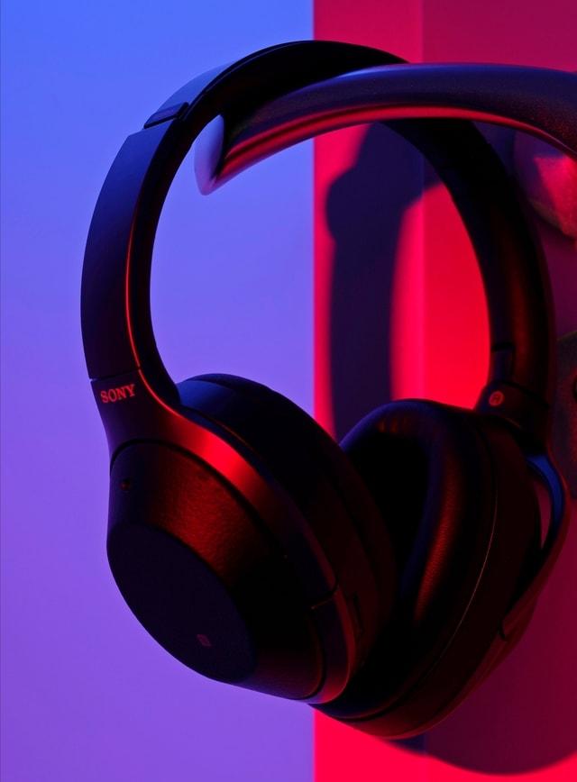 headphones-purple-technology-audio-equipment-audio picture material