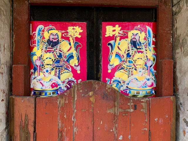 old-style-new-year-chinese-wooden-door-old picture material