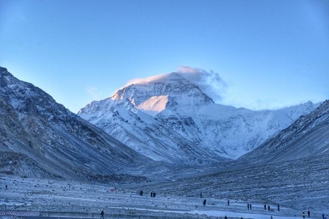 everest-mountainous-landforms-mountain-mountain-range-sky 图片素材