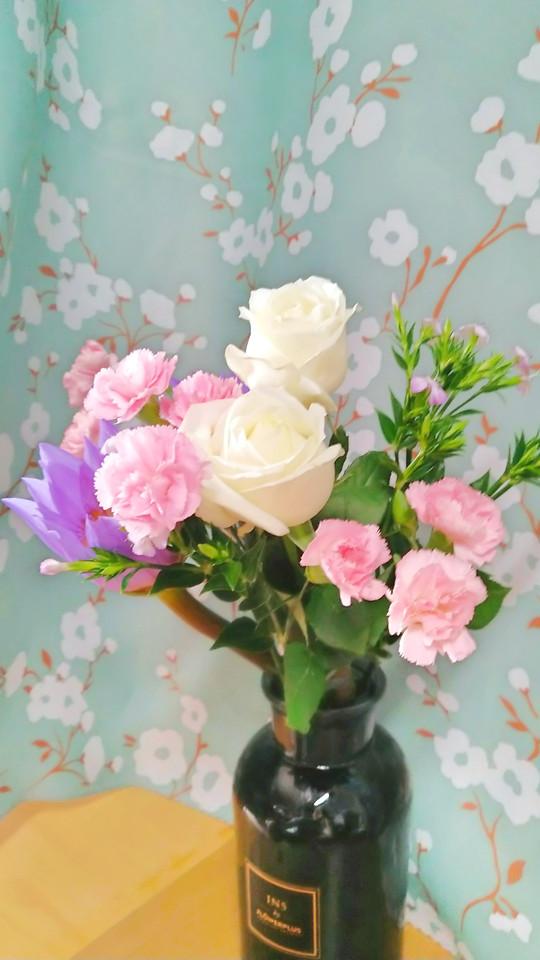 flower-vase-rose-bouquet-no-person picture material