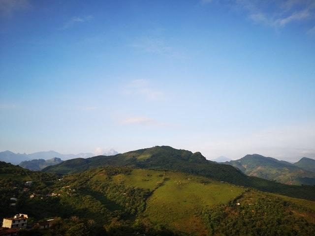 sky-mountain-hill-tree-cloud 图片素材