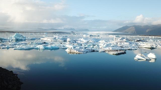 arctic-ocean-water-resources-glacial-lake-iceberg-sea 图片素材