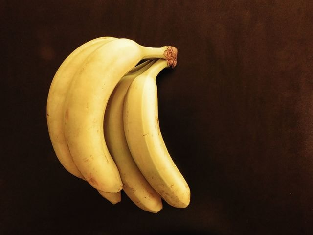 bananas picture material