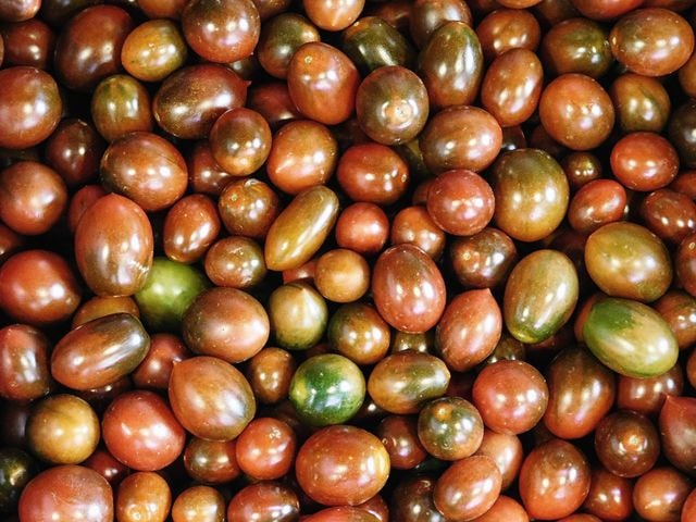 texture-of-tomatoes picture material