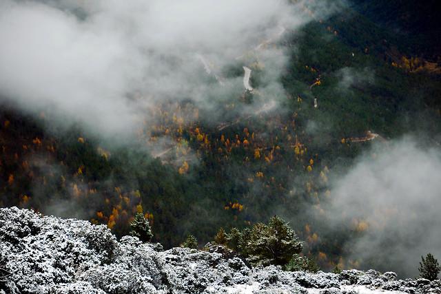no-person-landscape-volcano-smoke-fog picture material