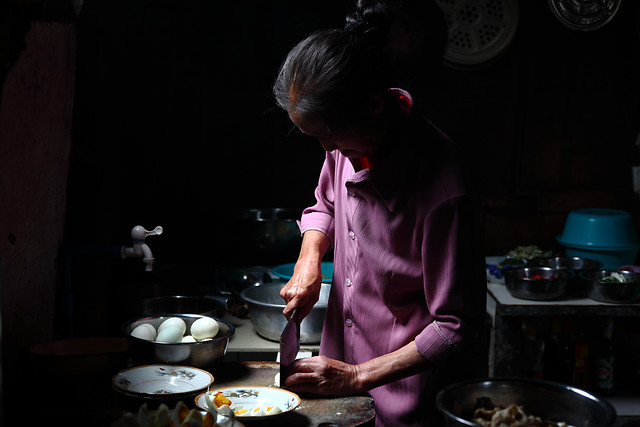people-adult-one-woman-cooking picture material