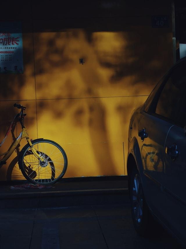 yellow-vehicle-vehicle-door-automotive-lighting-mode-of-transport 图片素材