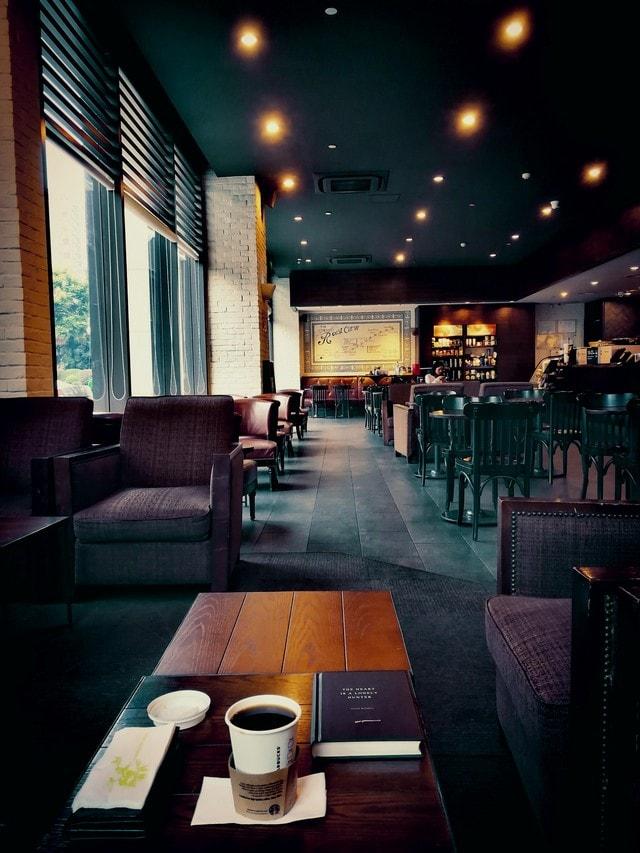 restaurant-interior-design-bar-table-chair 图片素材