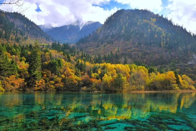 jiuzhaigou-autumn-scenery 图片素材