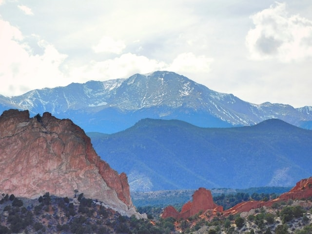pikes-peak-and-garden-of-the-gods picture material