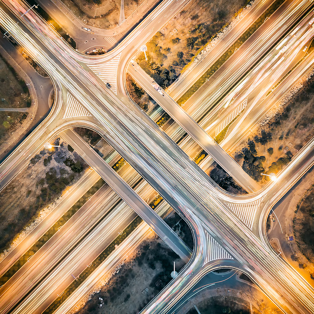 traffic-highway-road-transportation-system-blur 图片素材
