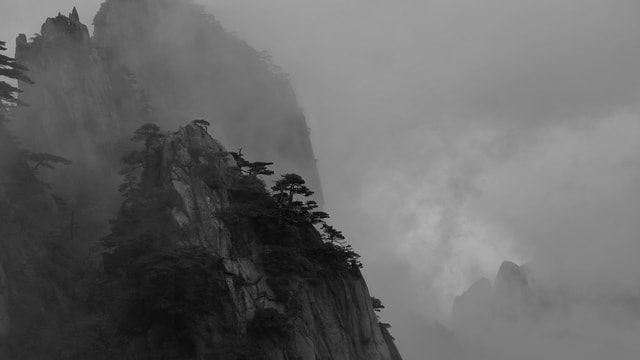 cloud-natural-black-and-white-mountain-range-ink picture material