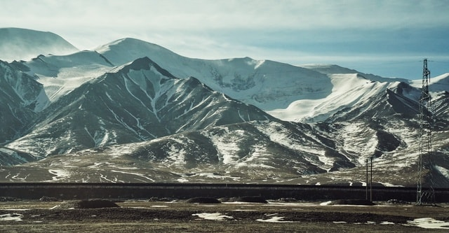 mountainous-landforms-mountain-mountain-range-highland-natural-landscape 图片素材