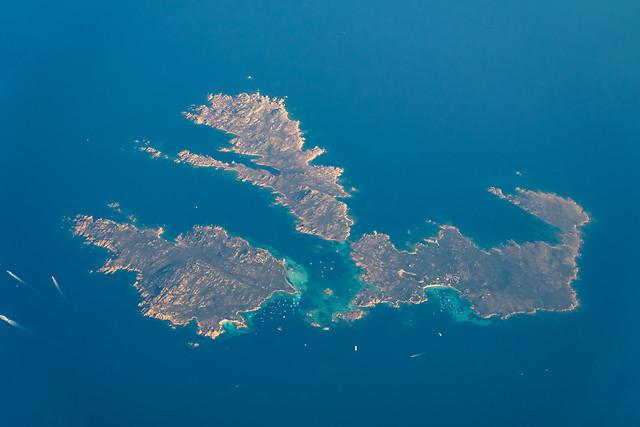 satellite-view-of-earth-islands-in-mediterranean-sea 图片素材