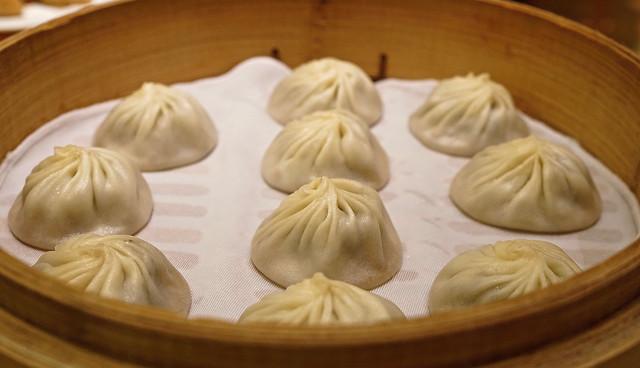 dumpling-dish-food-ding-taifeng-black-truffle-dumplings 图片素材