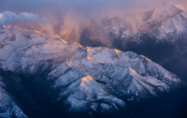 雪山 picture material