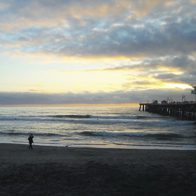 coronado-beach-at-sunset-on-a-cloudy-day 图片素材