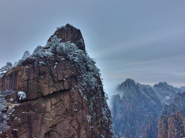 mountain-mountainous-landforms-ridge-mountain-range-sky picture material