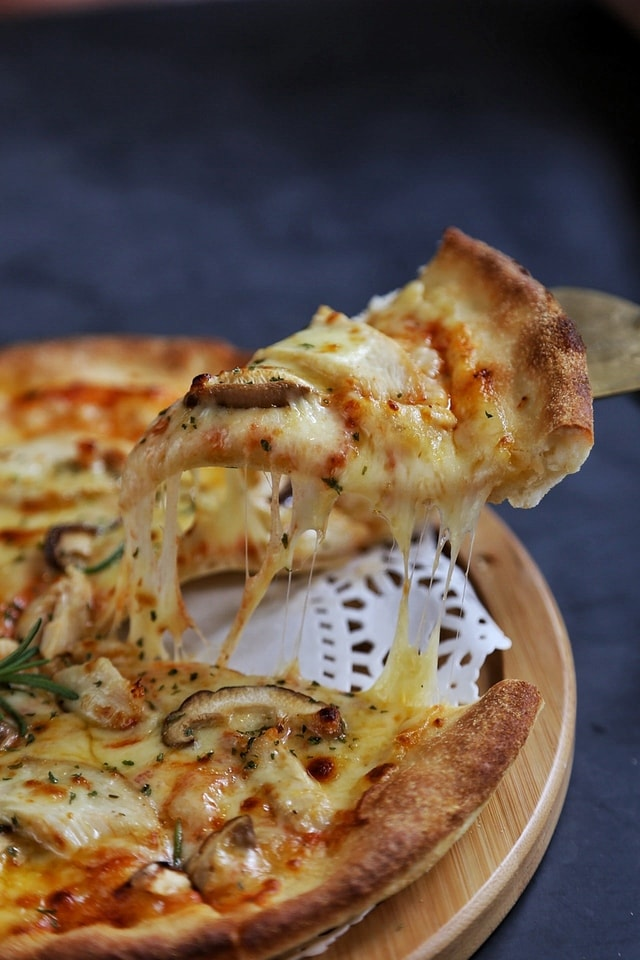 pizza-cuisine-food-dinner-lunch picture material