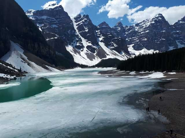 mountainous-landforms-mountain-nature-natural-landscape-glacial-lake 图片素材