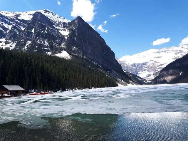 mountainous-landforms-mountain-natural-landscape-nature-mountain-range 图片素材