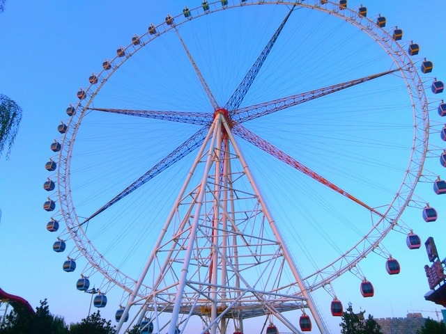 ferris-wheel-sky-architecture-carnival-entertainment 图片素材