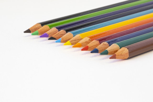 colored-pencils-in-focus picture material