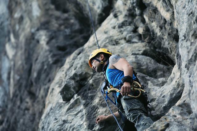 climb-climber-rock-climbing-rope-climbing picture material