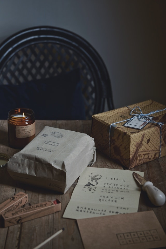 still-life-table-dark-tone-home-lifestyle picture material