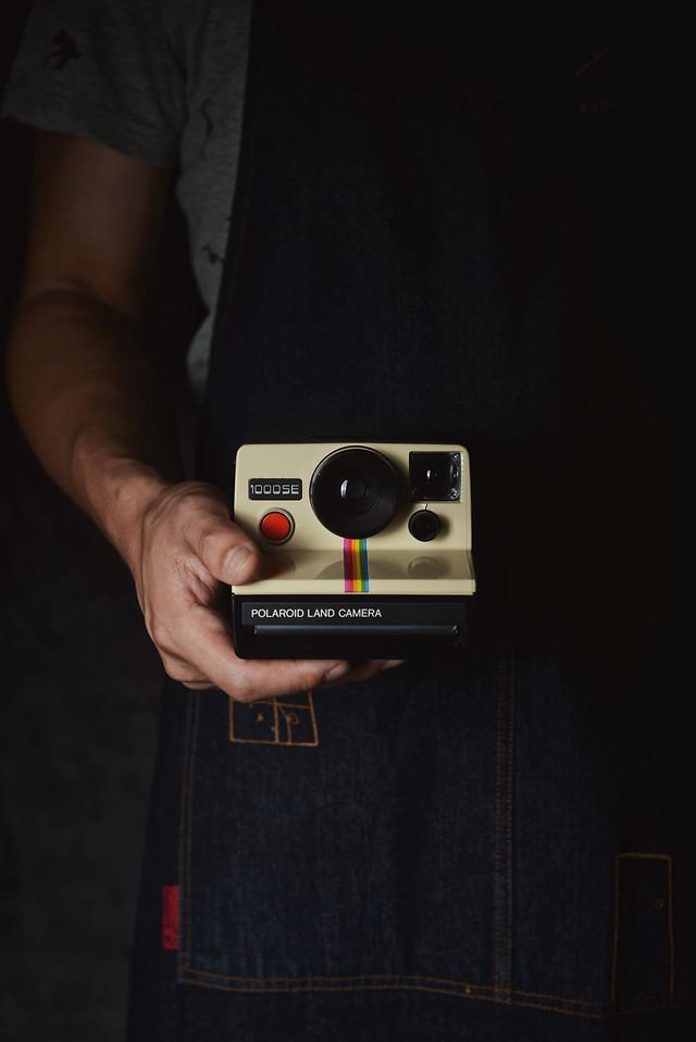 technology-electronics-polaroid-still-life-rainbow-machine picture material