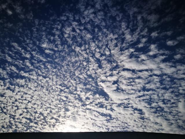 cirrus-cumulus picture material