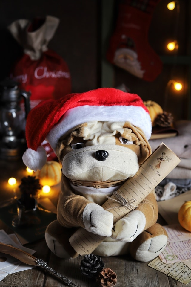 dark-tone-christmas-still-life-photography-snowman-teddy-bear picture material