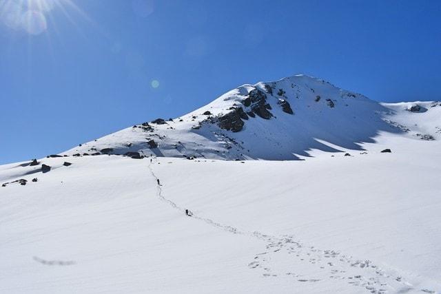 snow-mountain-mountainous-landforms-glacial-landform-geological-phenomenon 图片素材