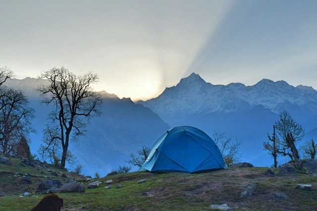 mountains-camping-himalayas-tent-life-adventure picture material