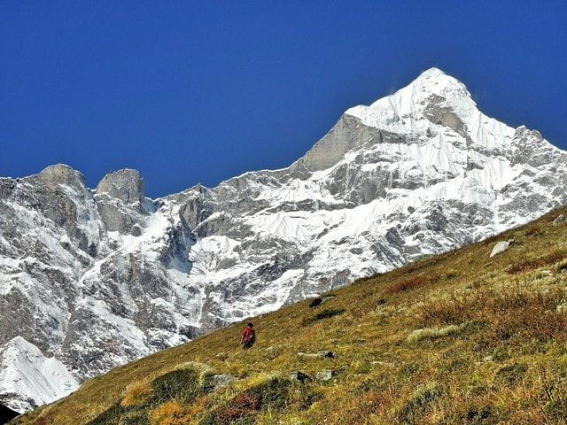 mountains-himalayas-garhwals-hiking-adventure 图片素材