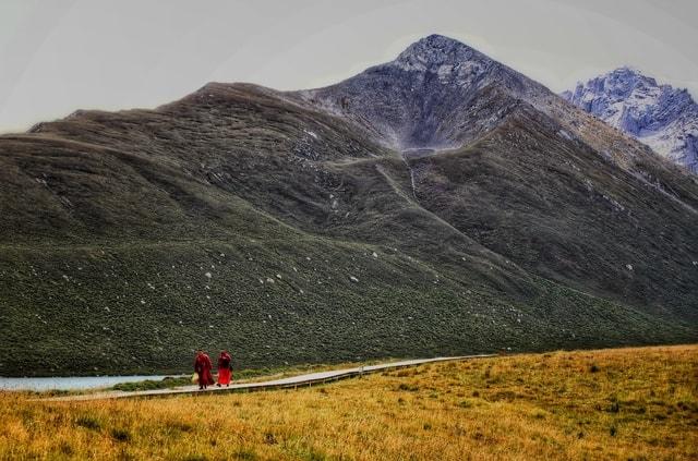 mountainous-landforms-mountain-highland-mountain-range-wilderness 图片素材