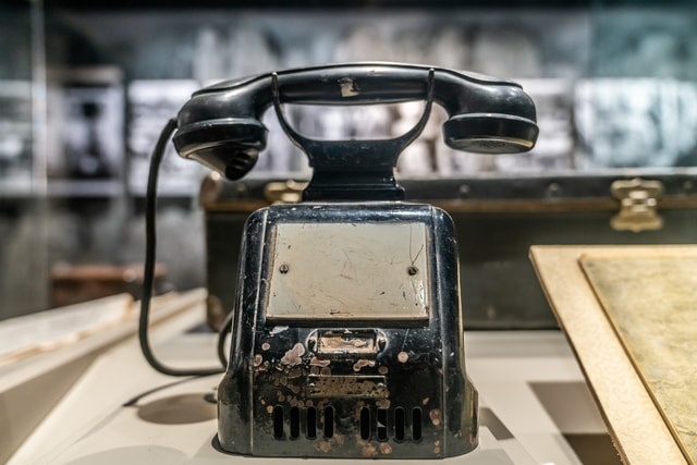 an-old-fashioned-telephone-collection-at-the-taihang-memorial-hall-of-the-eighth-the-collection-of-the-eighth-route-army-taihang-memorial-hall-in-shanxi-province-china picture material