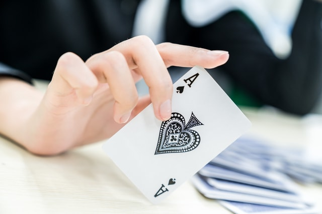 play-poker-games-indoors-together-indoor-play-poker-together picture material