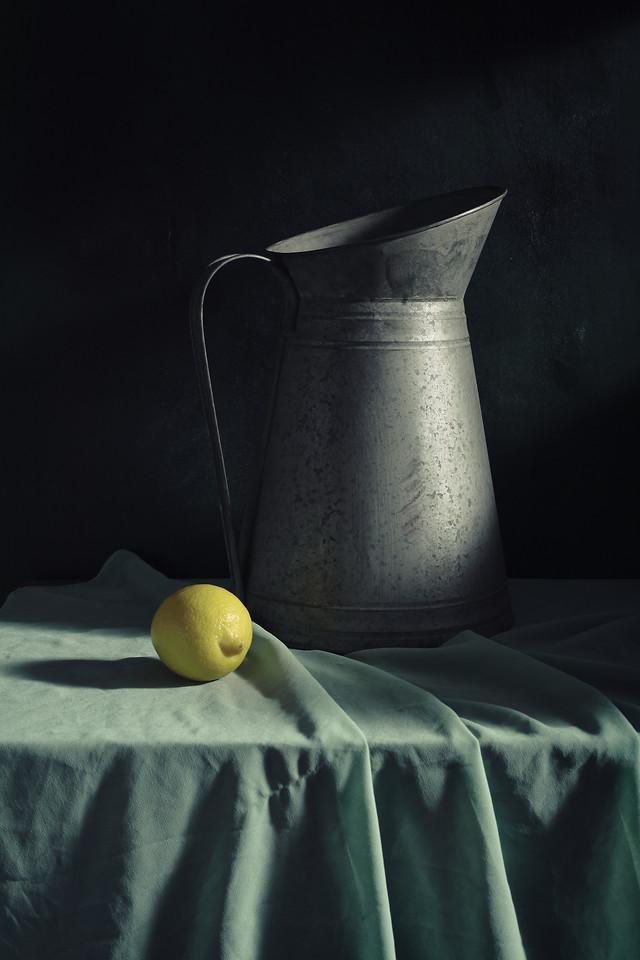 still-life-lemon-dark-tone-no-person-desktop picture material