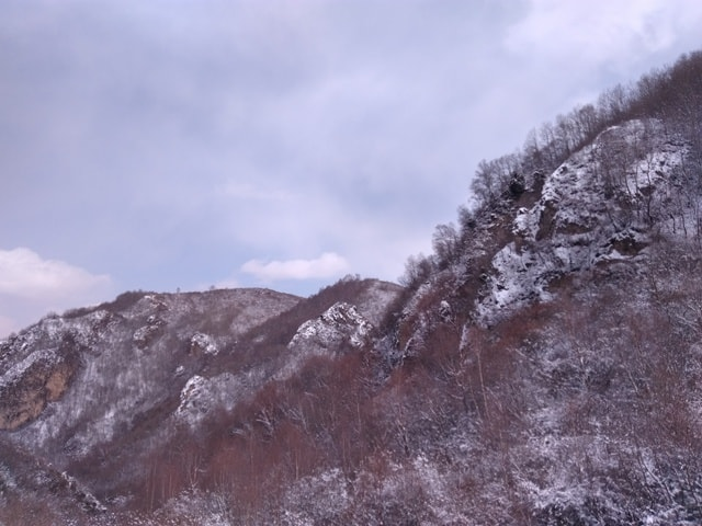 mountain-snow-scene-mountainous-landforms-mountain-sky-geological-phenomenon 图片素材