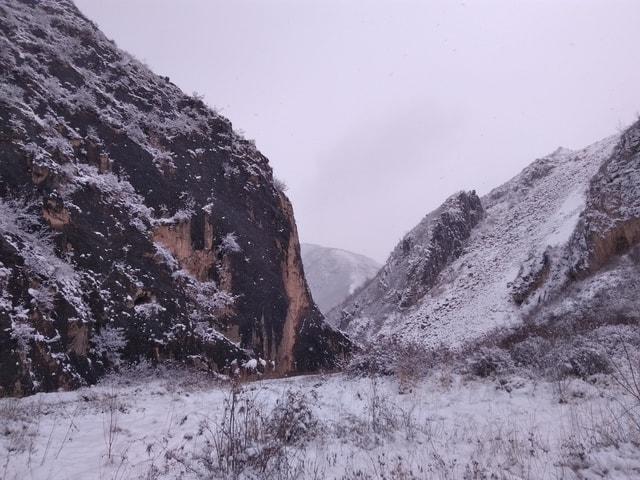 mountain-snow-scene-mountainous-landforms-geological-phenomenon-mountain-snow 图片素材