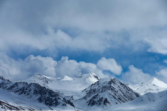 natural-mountainous-landforms-mountain-mountain-range-sky 图片素材