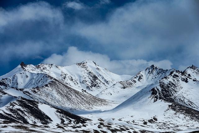 natural-mountainous-landforms-mountain-snow-mountain-range 图片素材
