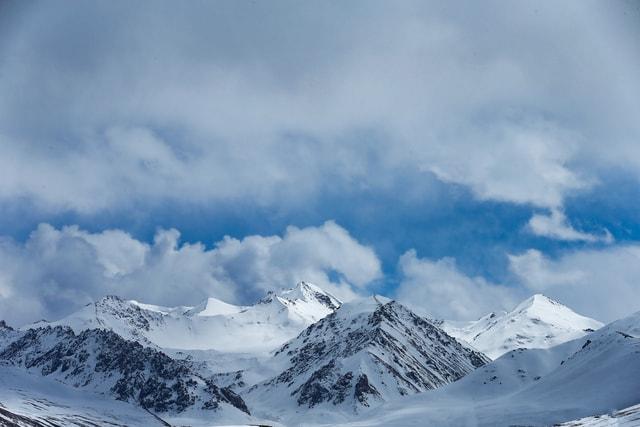 natural-mountainous-landforms-mountain-sky-mountain-range 图片素材