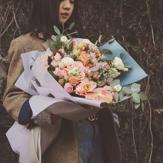 flower-arrangement-wedding-flower-bouquet-bride picture material