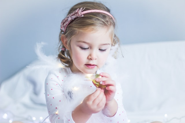 girl-christmas-feathers-baby-fun picture material