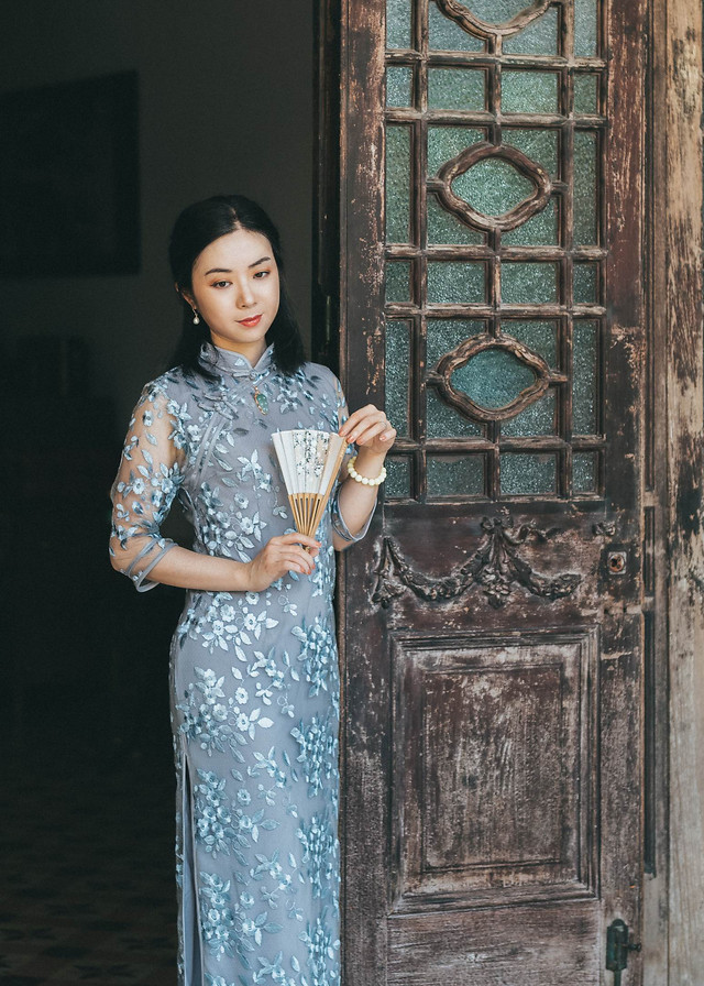 woman-fashion-dress-cheongsam-celebrity-style picture material