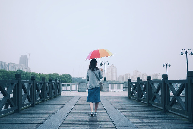 umbrella-bridge-people-clothing-photograph picture material
