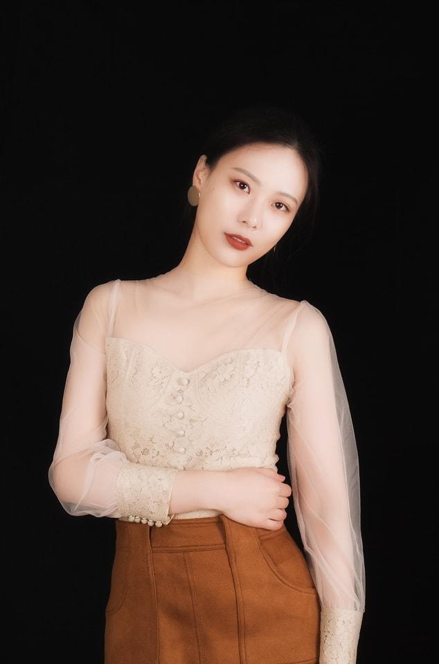 skin-model-girl-fashion-portrait picture material