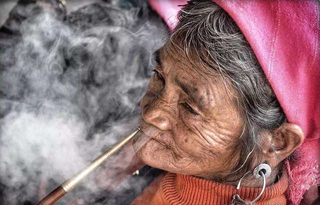 people-smoke-elder-elderly-man picture material